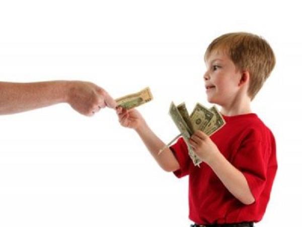 Mơ thấy người khác cho tiền có điềm báo gì và đánh số nào?