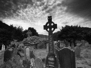 Mơ thấy nghĩa địa điềm báo gì và đánh số nào?