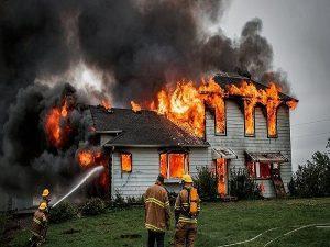 Mơ thấy cháy nhà đánh con gì và điềm báo tốt hay xấu?